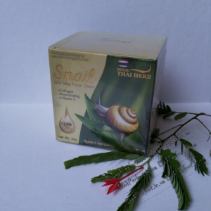 Крем для лица с муцином улитки и соком Алое Вера Snail Aloe Vera Facial Cream Royal Thai Herbs